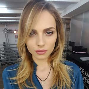 Jolie blonde transsexuel active sur Rennes