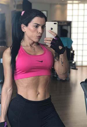 Ladyboy fitness addict du 94700