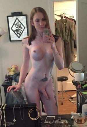 Maman trans-sexy avec une bite sur Douai